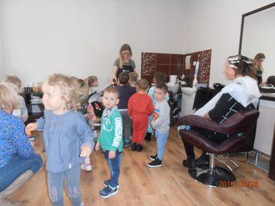 Wizyta w zakładzie fryzjerskim